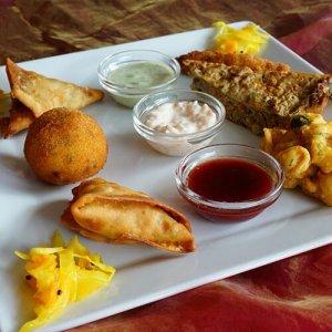 Entrée assiette de dégustation le Quart d'Heure Indien